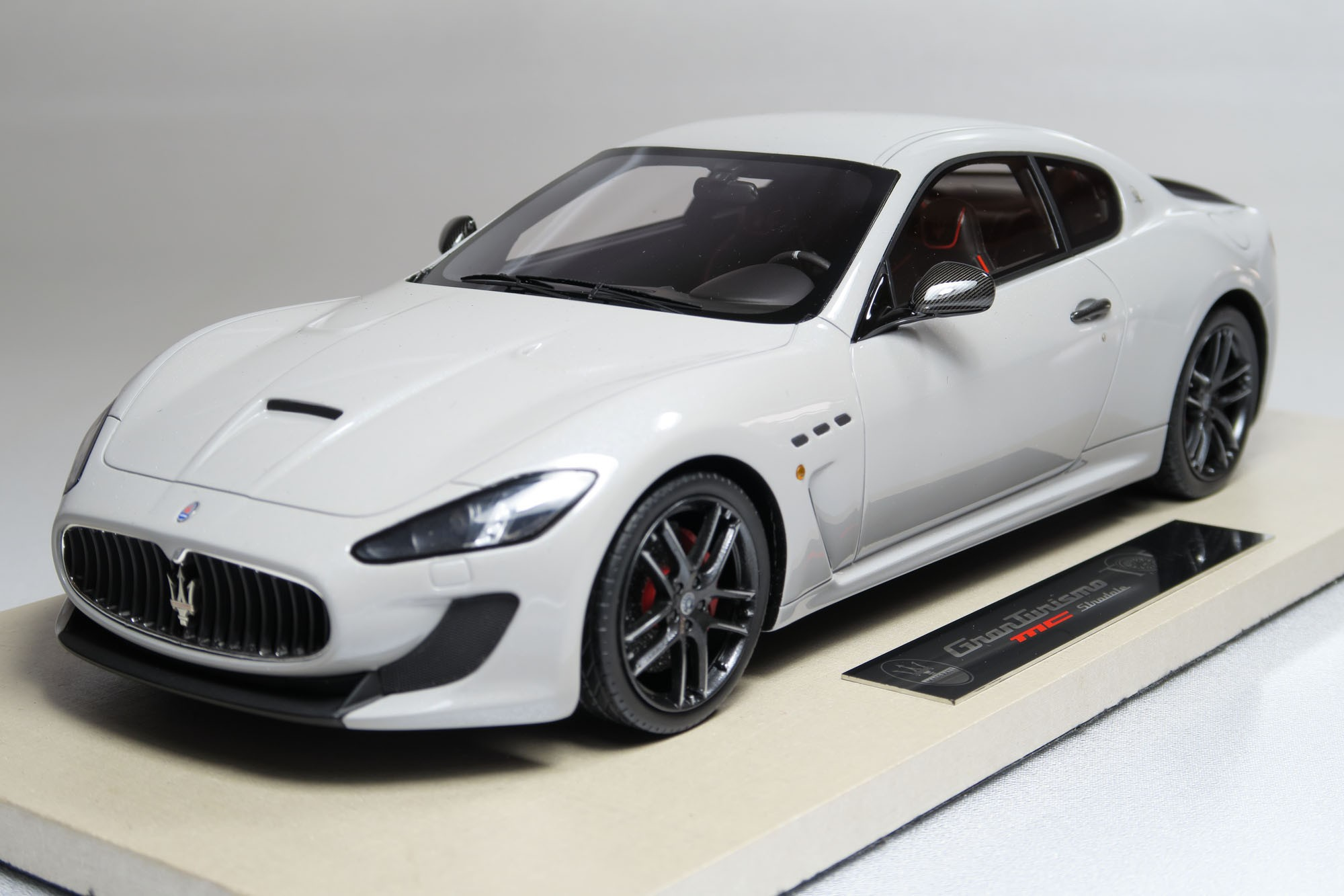 top marques collectibles maserati granturismo mc stradale. Black Bedroom Furniture Sets. Home Design Ideas