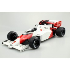 mp4/2 1984 - A.Prost 2nd place W.C. (Pre-order)