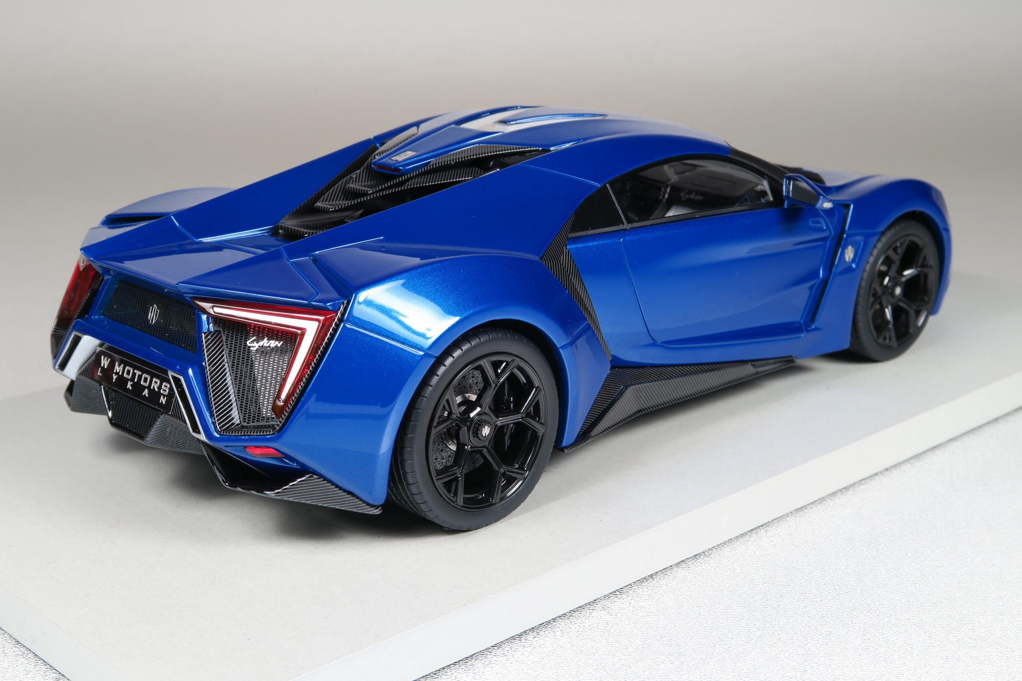Top Marques Collectibles Lykan Hypersport 1 18 Blue Top30d