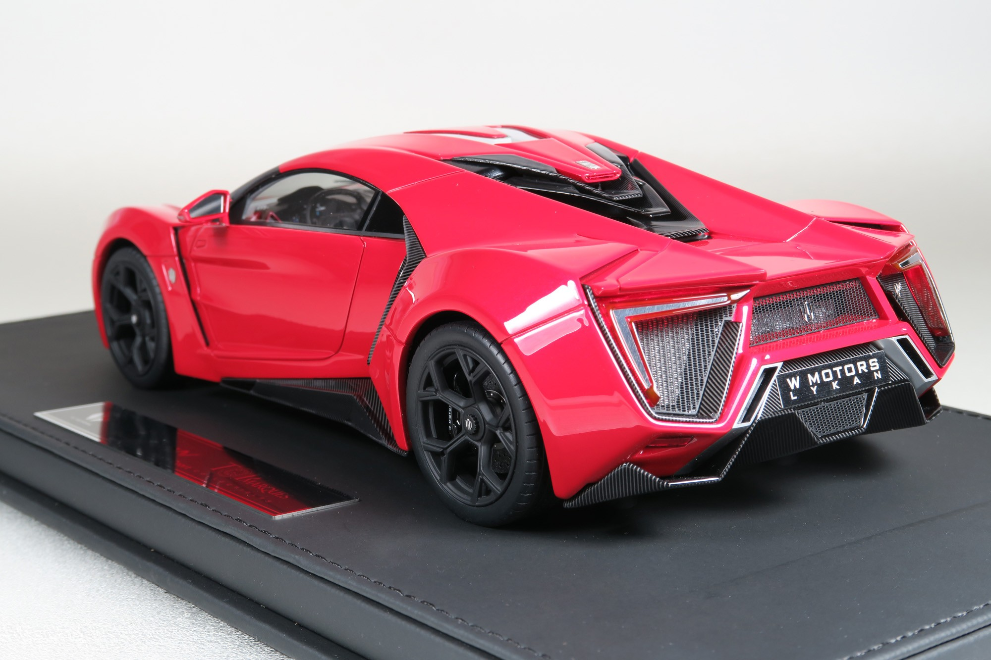 Lykan Hyper Sport >> Top Marques Collectibles Lykan Hypersport, 1:18 red | TOP30AS