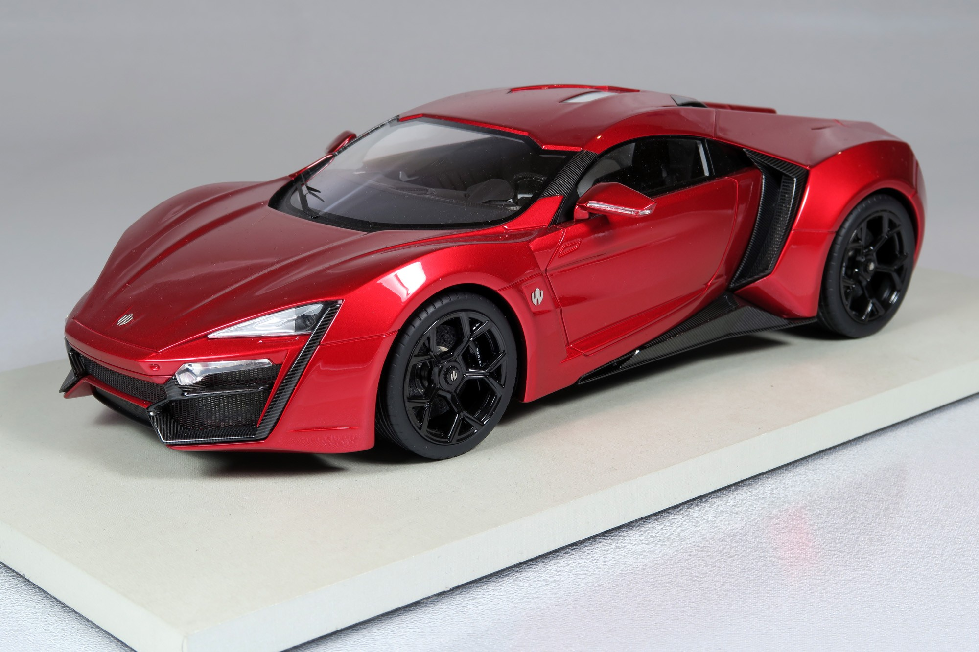 Hyper Sport Price >> Top Marques Collectibles Lykan Hypersport, 1:18 red | TOP30E
