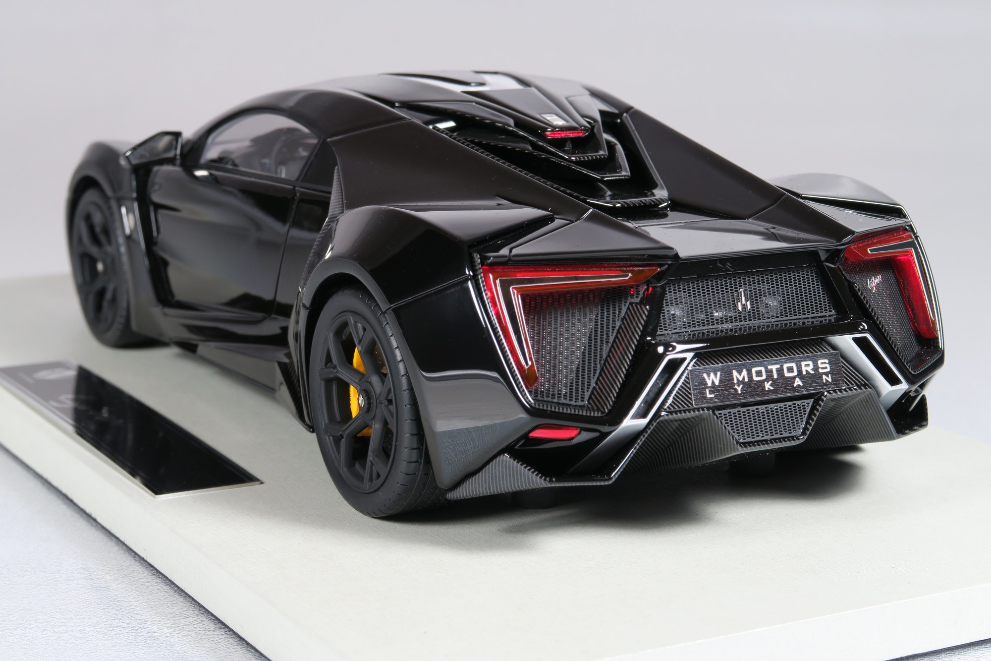 Top Marques Collectibles Lykan Hypersport 1 18 Black Top30c